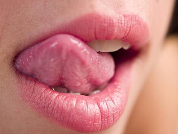 Decka kako oralno zadovoljiti Devet trikova